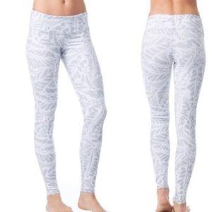 ALO Yoga Legging in Grey Floral Pattern